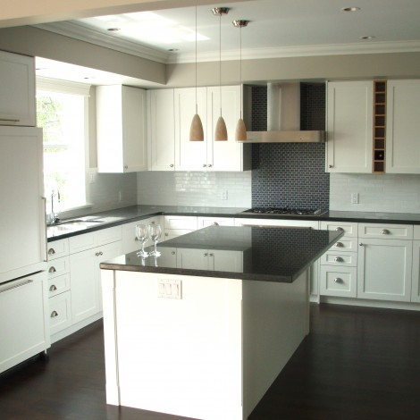 Modern Kitchen with Island