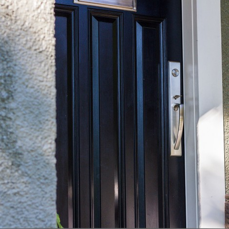 Sturdy Backdoor with Trim