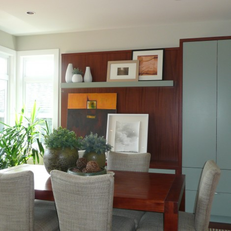 Bright Dining Room Space