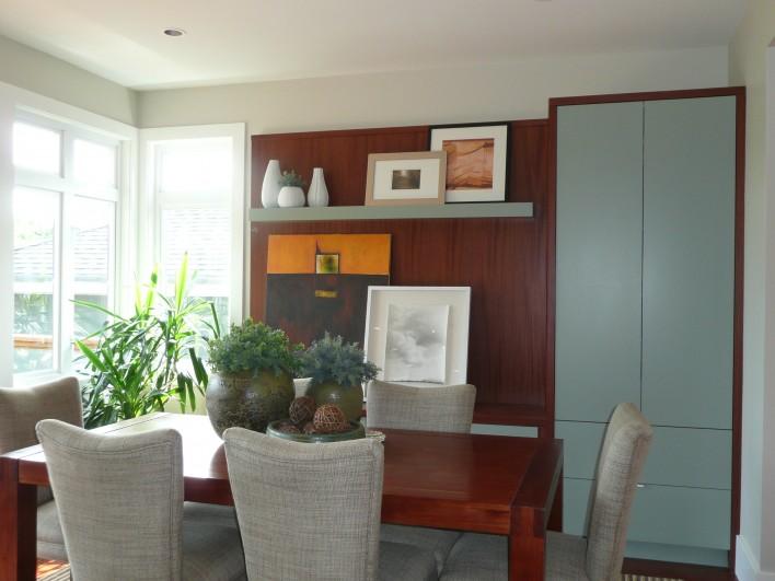 bright-dining-room
