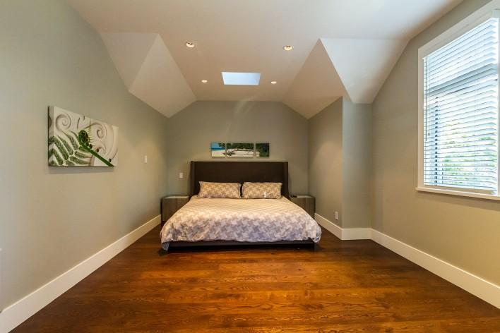 hardwood-skylight-bedroom