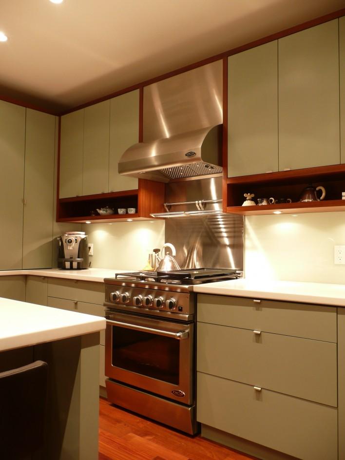 kitchen-stainless-range
