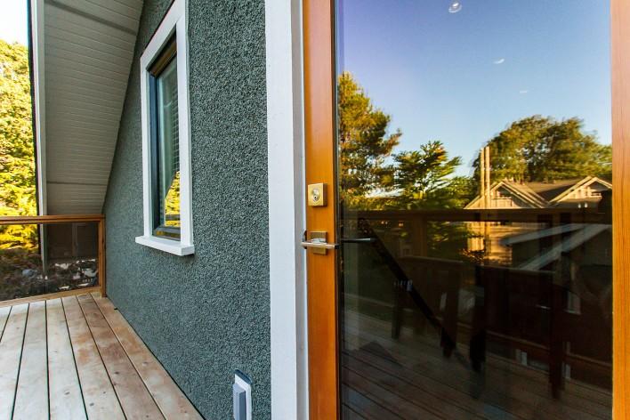 tempered-glass-door