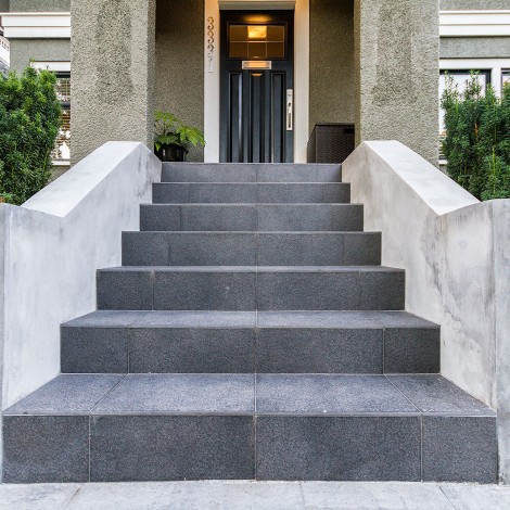 Tiled Walk-up with Concrete Ledges