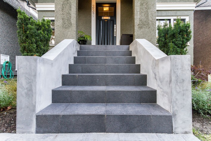 tiled-walkup