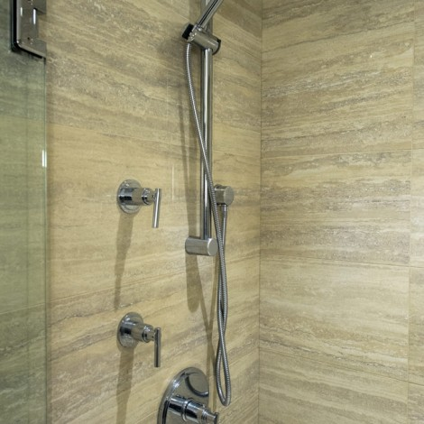 Shower bar and controls