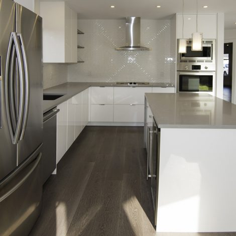 Kitchen – White & Gray