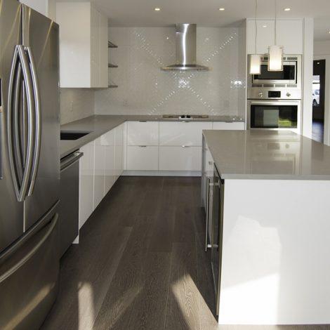 Kitchen – White & Gray